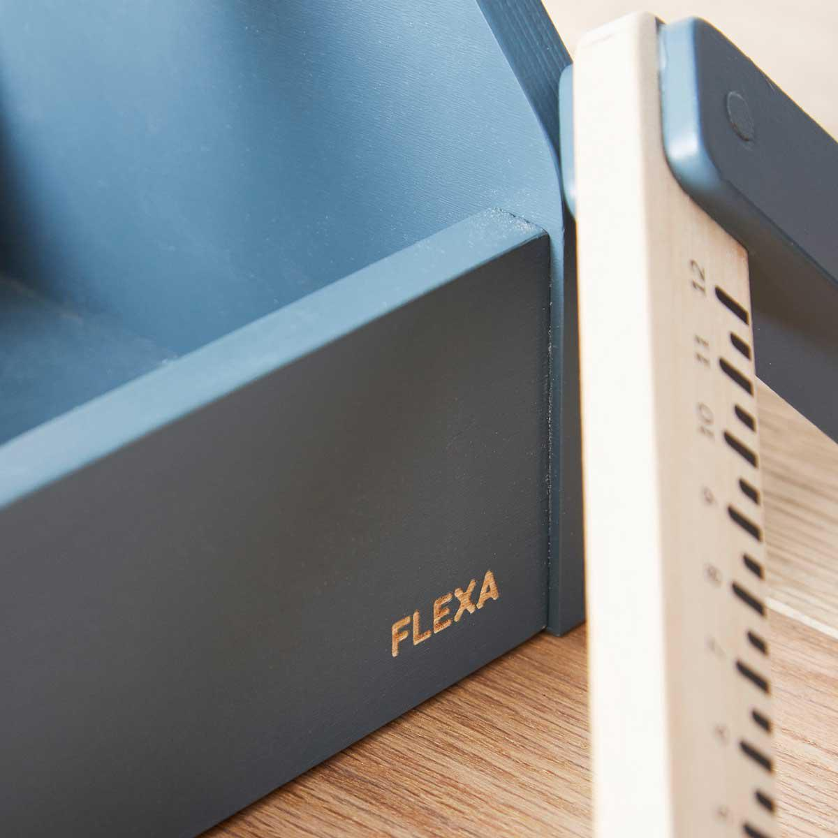 Caja de herramientas PLAY Flexa dark blue-natural wood