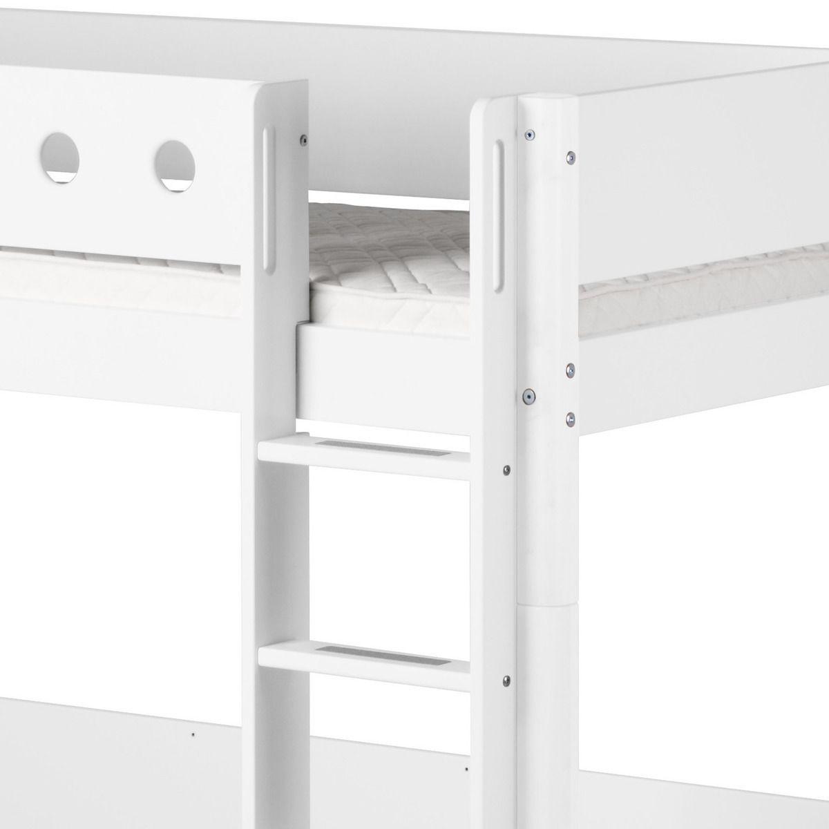 Cama alta 90x190 WHITE Flexa escalera recta barrera y patas blancas