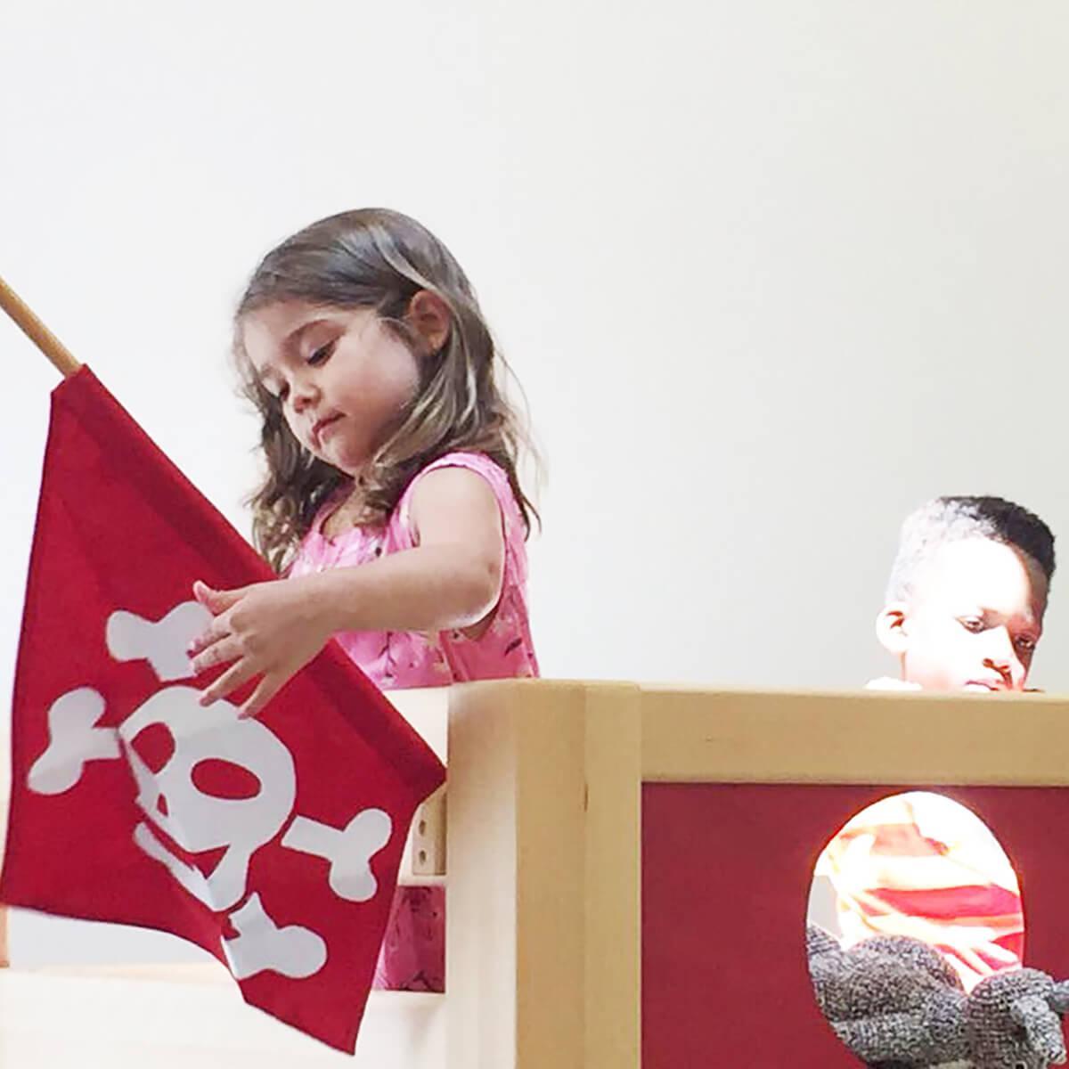Cama alta Pirata DELUXE de Breuyn haya aceitada-rojo