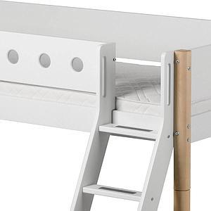 Cama media alta 90x190 WHITE Flexa escalera inclinada barrera blanca patas abedul