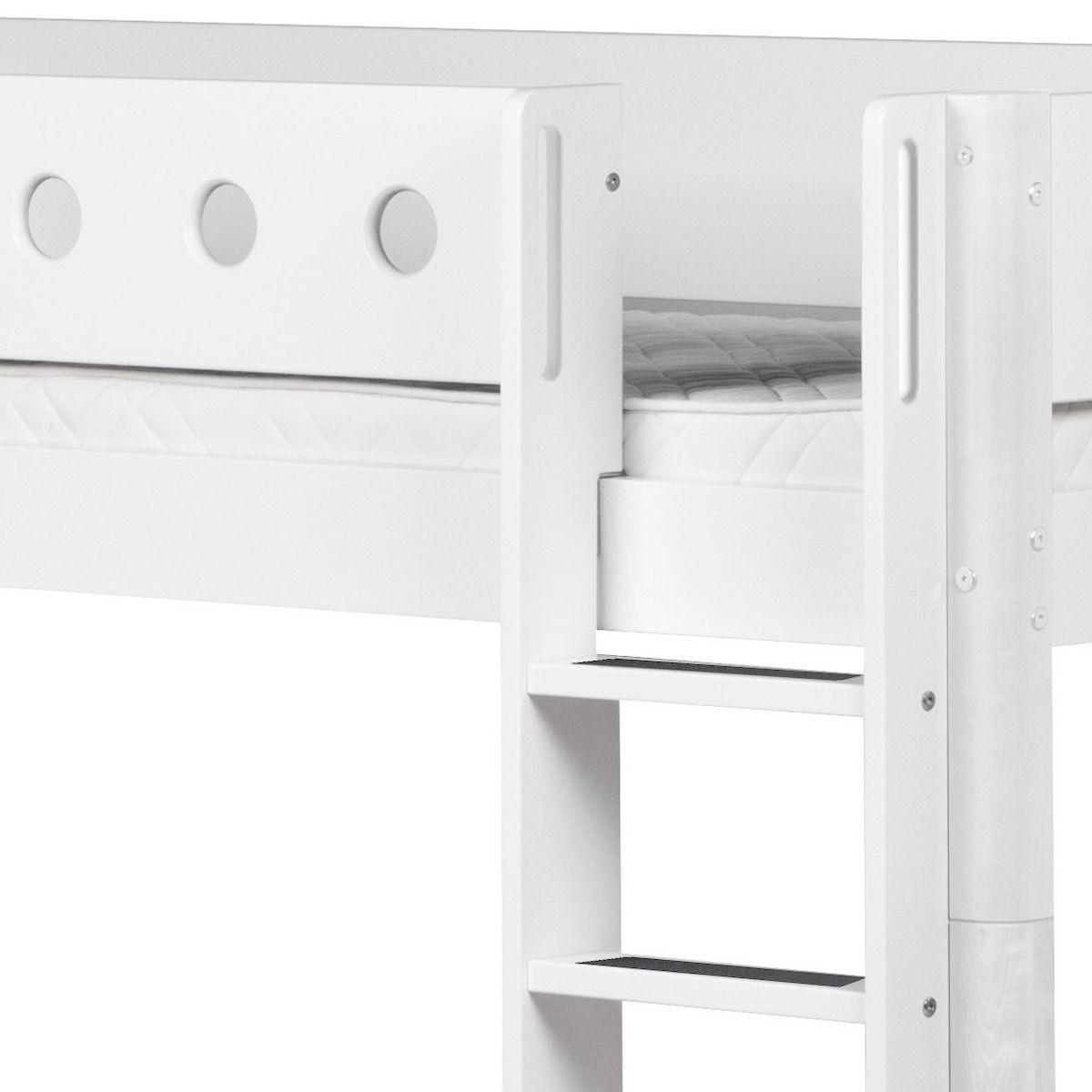 Cama media alta 90x190 WHITE Flexa escalera recta tobogán barrera y patas blancas