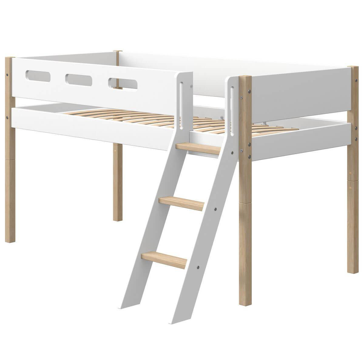 Cama media alta 90x200cm escalera inclinada NOR Flexa roble-blanco