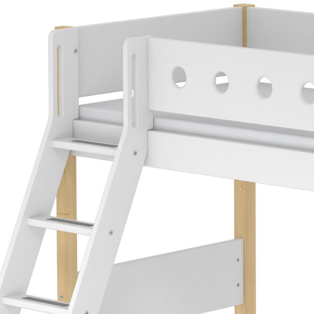 Cama semi alta 90x200 WHITE Flexa escalera inclinada barrera blanco patas abedul