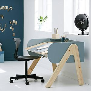 Escritorio evolutivo infantil WOODY Flexa clear lacquer-frosty blue