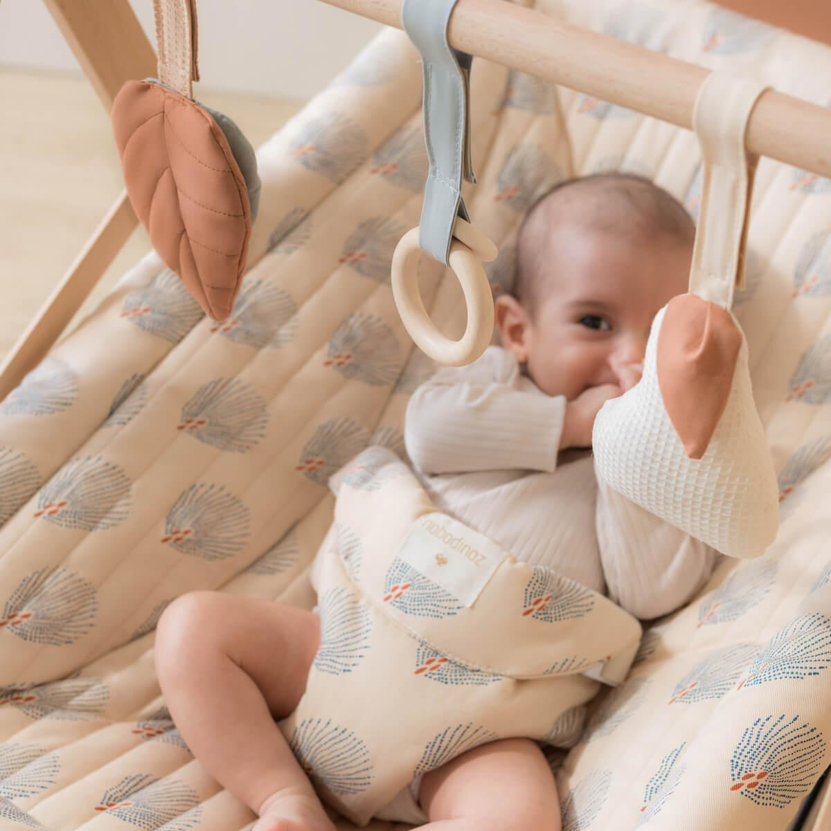Hamaca bebé GROWING GREEN Nobodinoz blue gatsby-cream